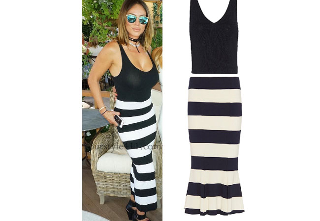 Real Housewives of Orange County, RHOC, Kelly Dodd, Kelly Dodd style, Kelly Dodd fashion, #kellydodd, social media, striped dress, striped black white dress, striped skirt, #RHOC, Kelly Dodd outfit, shop your tv, the take, bravotv.com, #RealHousewivesOrangeCounty, worn on tv, tv fashion, clothes from tv shows, Real Housewives of Orange County outfits, bravo, Season 11, reality tv clothes