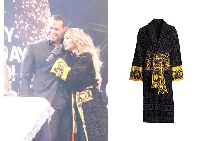 Jennifer Lopez, Jennifer Lopez's outfit, Jennifer Lopez's clothes, JLo, Alex Rodriguez, Jennifer's Robe, Versace Logo Toweling Baroque Robe